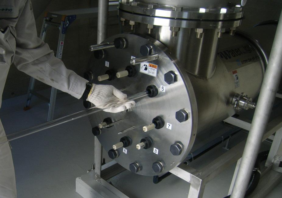 紫外線照射装置 保守点検 実績写真1